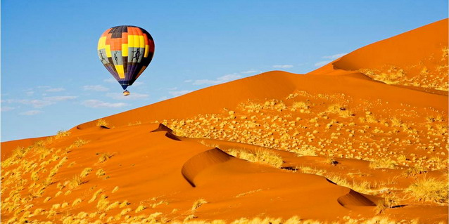 Ballooning over the Namib Desert - Safari Cost Comparison | Luxury African Safari Tours | Classic Africa